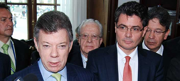 Presidente-santos-ministro-gaviria-mar-2013-reforma-salud